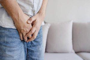 Viêm bao quy đầu nguy hiểm không – Điều trị ra sao?